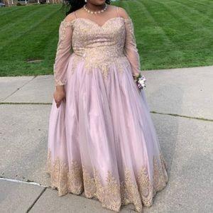 Dresses & Skirts - prom dress💜